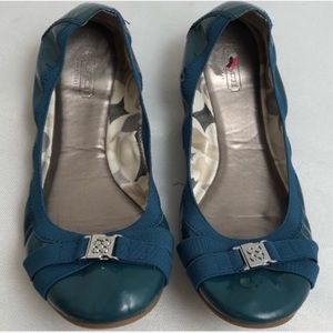 Coach Dwyer teal patent leather/nickel flats
